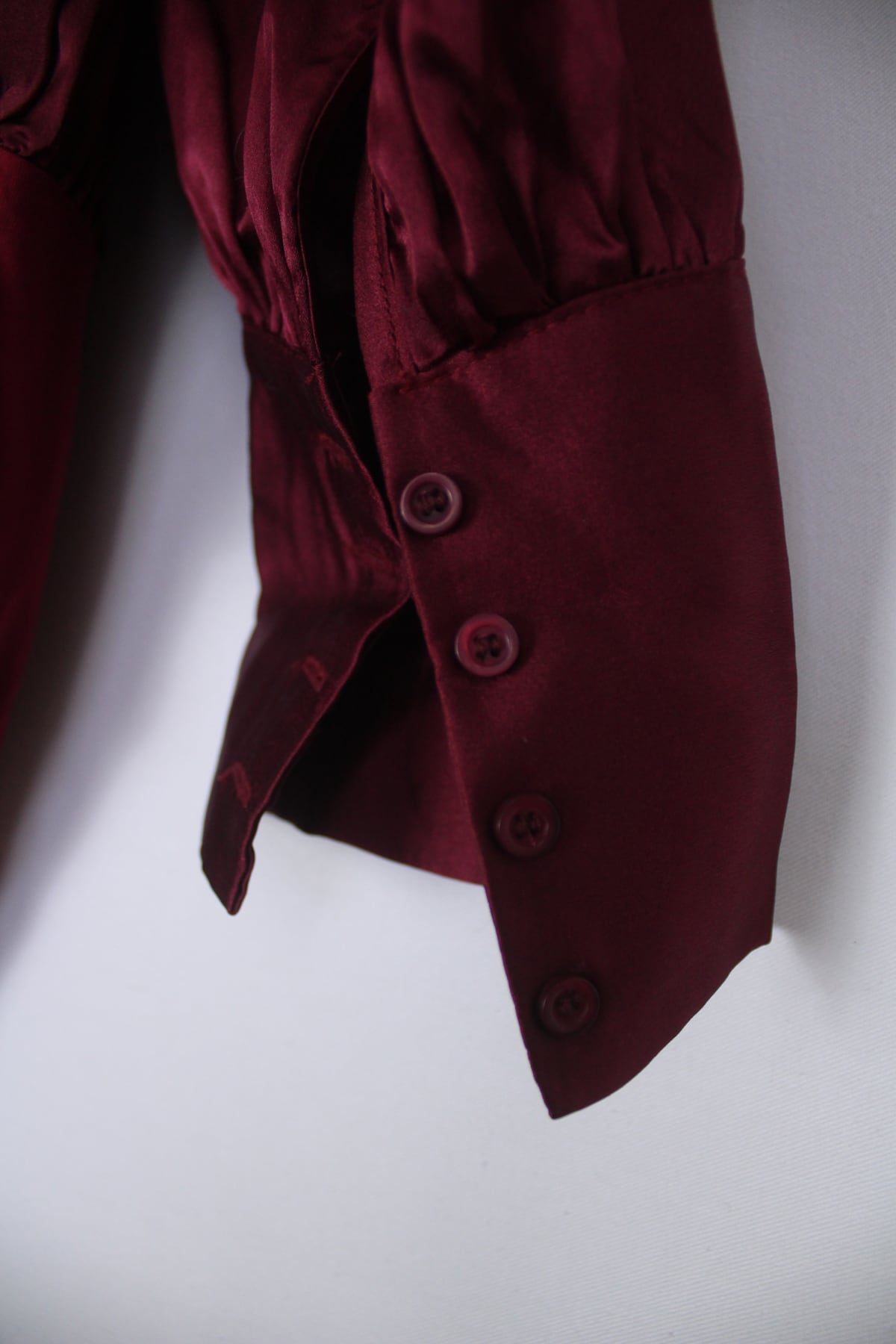 Second Hand Clothes Pre-Owned Clothing | Oafo